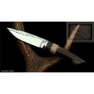 couteau de chasse, droit manche en ziricotte lame brute de forge