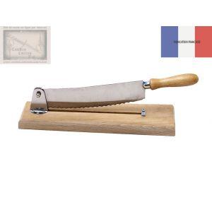 coupe pain, Roger Orfevre, en bois blanc naturel