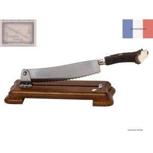 coupe pain, Roger Orfevre, en chene, manche corne de cerf
