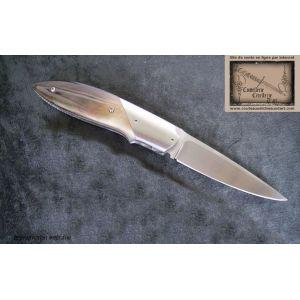 Couteau JMarc Arnaud,liner lock ,manche nacre noire,lame de 70mm en inox